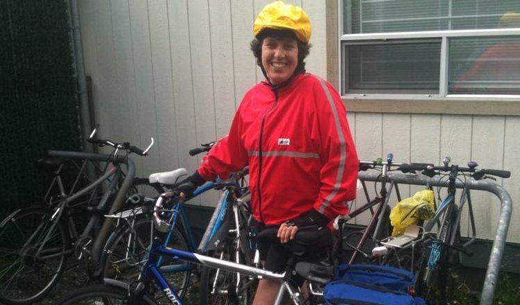 Braving the elements, Vancouver Aquarium staffer Catriona Wilson participated in the first day of Bike to Work Week