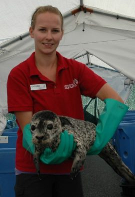 Rhea with Rescue Centre veterinary technician Chellan