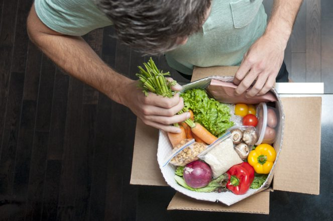 Chef's Plate offers 100% recyclable packaging and pre-portioned ingredients.