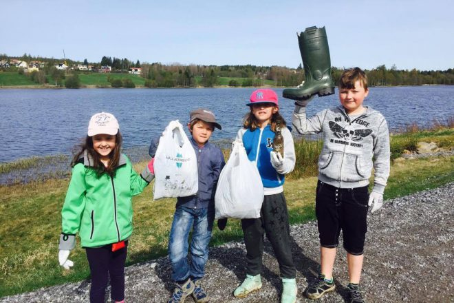 Malin Tellberg and her students organized their very own shoreline cleanup in Sweden.